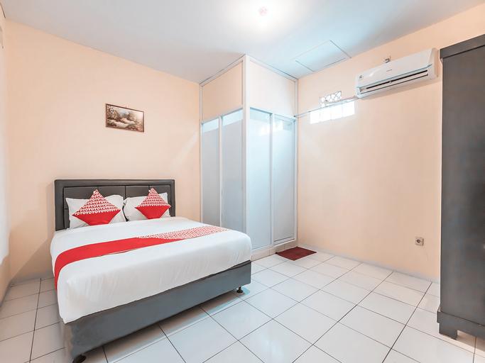 OYO 1868 J&b Room Pramuka Near RSUPN Dr.Cipto Mangunkusumo, Jakarta Timur