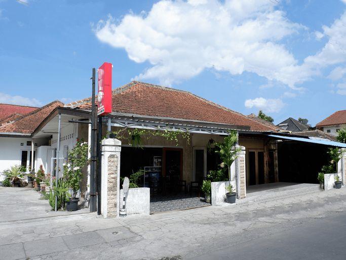 OYO 1196 Hotel Pura Puspa Rosa, Sleman