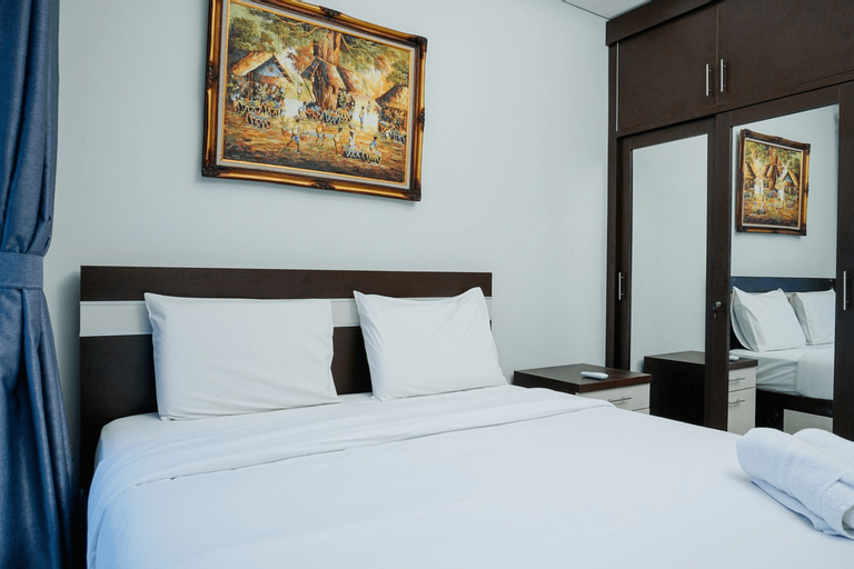 Deluxe Puri Mansion 1BR Apartment with Sofa Bed By Travelio, Jakarta Barat