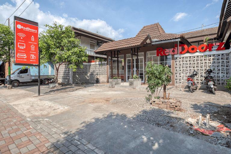 RedDoorz near Malioboro Tugu Station Jogja 2, Yogyakarta