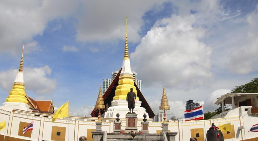 Centre Point Silom, Sathorn