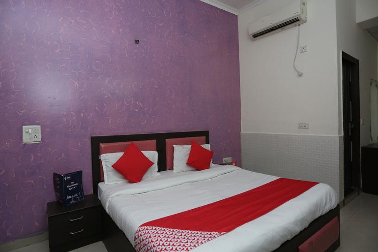 OYO 19664 Aman Hotel, Gautam Buddha Nagar