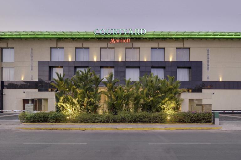 Courtyard by Marriott Kochi Airport, Ernakulam