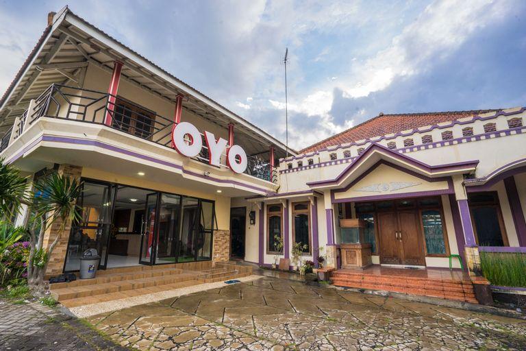 OYO 564 Bunga Matahari Guest House and Hotel, Malang