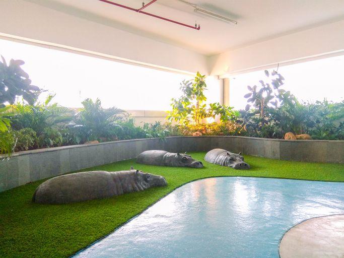 Modern Studio Room @ Grand Kamala Lagoon Apartment By Travelio, Bekasi