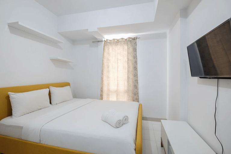 Minimalist Studio at Azalea Suites Cikarang Apartment By Travelio, Cikarang