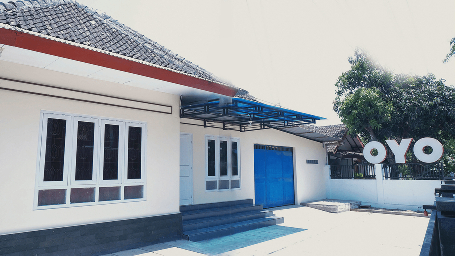 OYO 1190 Griya Soeratin Residence Syariah, Pacitan