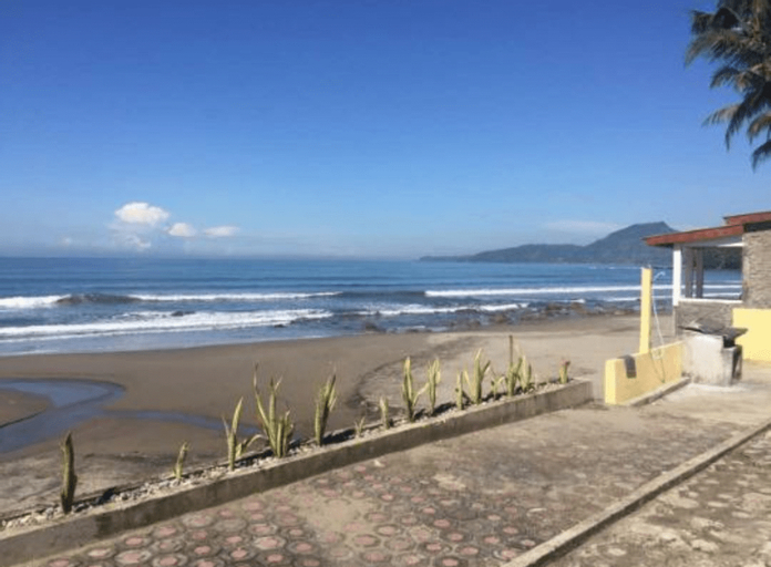 Wisma Mila Tepi Pantai Karang Hawu, Sukabumi