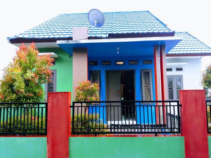 Homey Villa Diandra - 3 Bedroom, Kotawaringin Barat