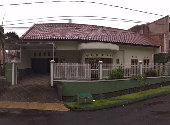 Sunny Guest House Villa Lembang, Bandung
