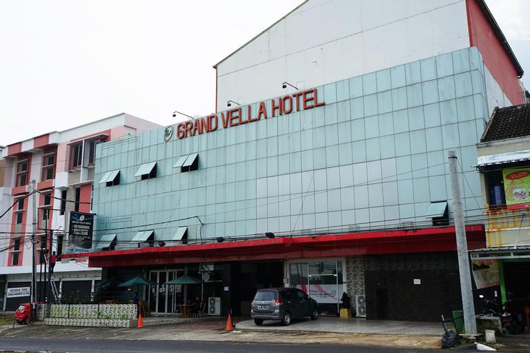 OYO 629 Grand Vella Hotel, Central Bangka