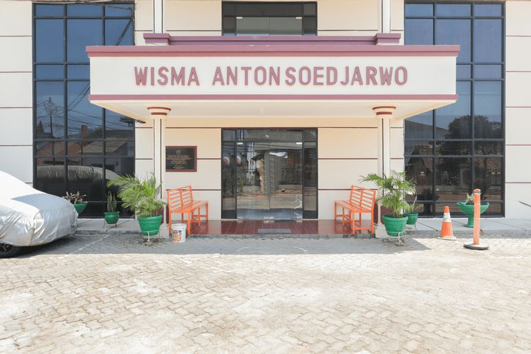 Wisma Anton Soedjarwo Depok, Depok
