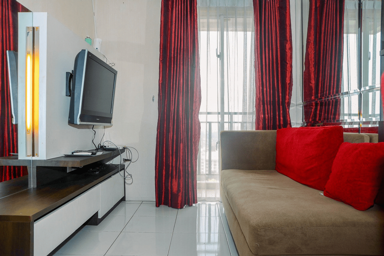 Comfortable 2BR Signature Park Tebet Apartment By Travelio, East Jakarta