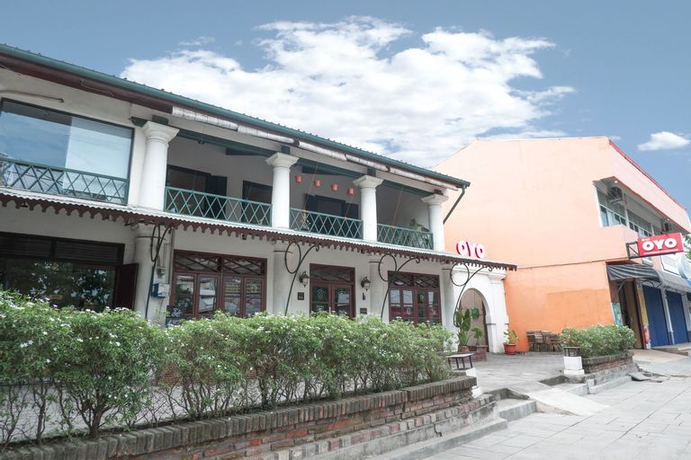 OYO 422 Achterhuis Residence, Semarang