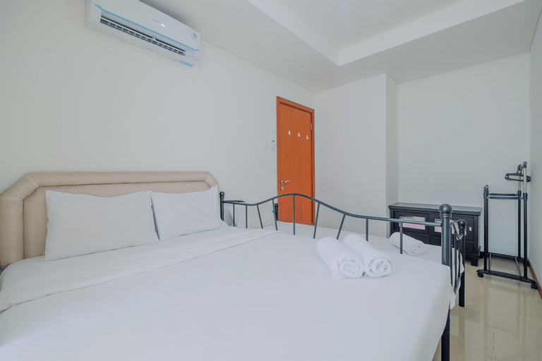 Cozy 1BR at Green Bay Pluit Apartment By Travelio, North Jakarta