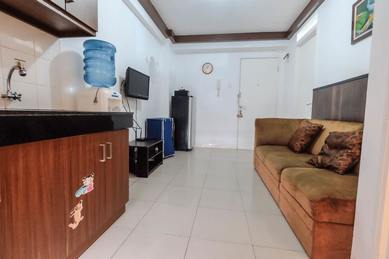 Cozy 2BR at Green Palace Kalibata City Apartment By Travelio, Jakarta Selatan