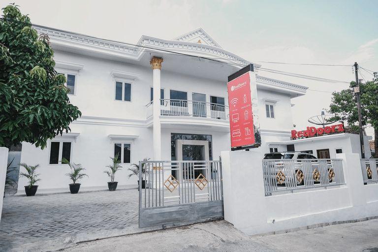 RedDoorz Syariah near Transmart Lampung, Bandar Lampung