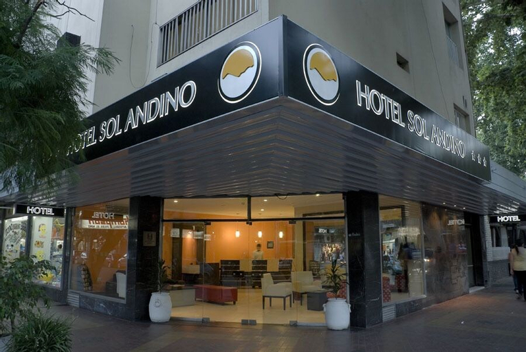 Hotel Sol Andino, Capital