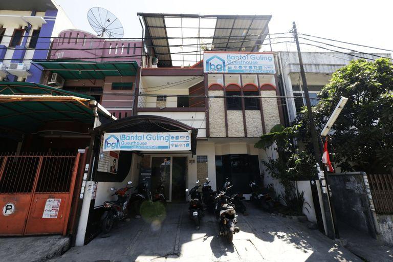 Bantal Guling Pasar Baru, Bandung