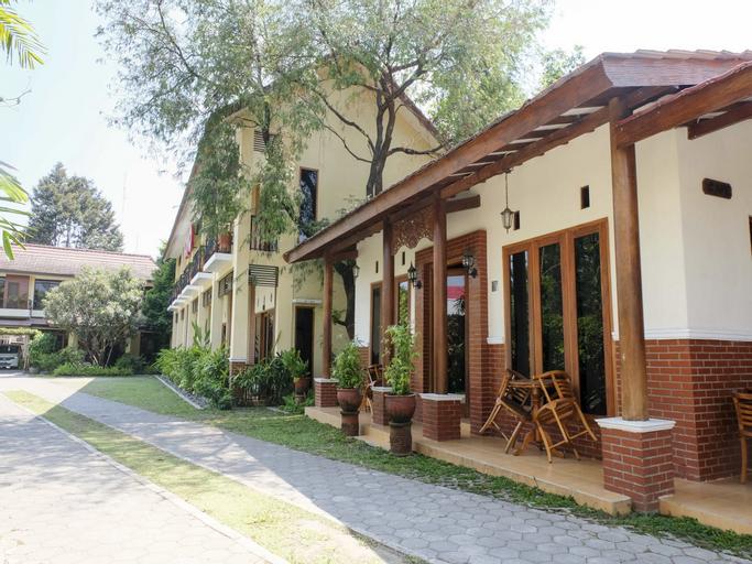OYO 261 Sasono Putro Guest House, Sleman