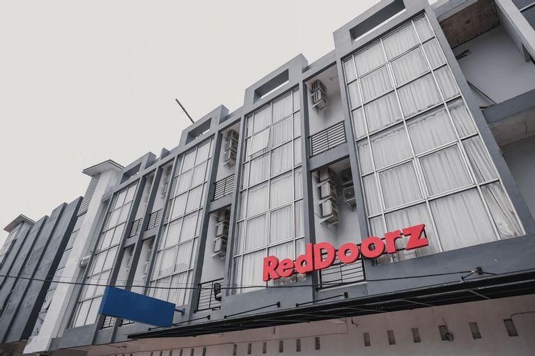 RedDoorz @ Jalan Sukabangun 2 Palembang, Palembang