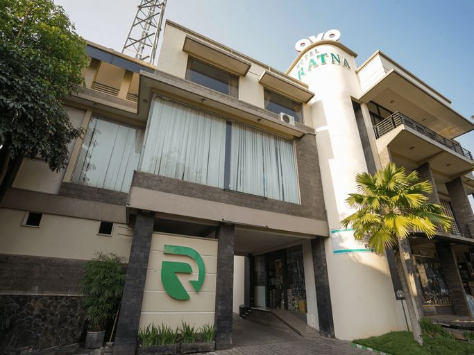 OYO 1430 Hotel Ratna Syariah, Probolinggo