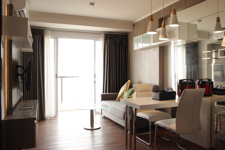Classic 2BR Apartment At Gateway Pasteur near Exit Toll By Travelio, Cimahi