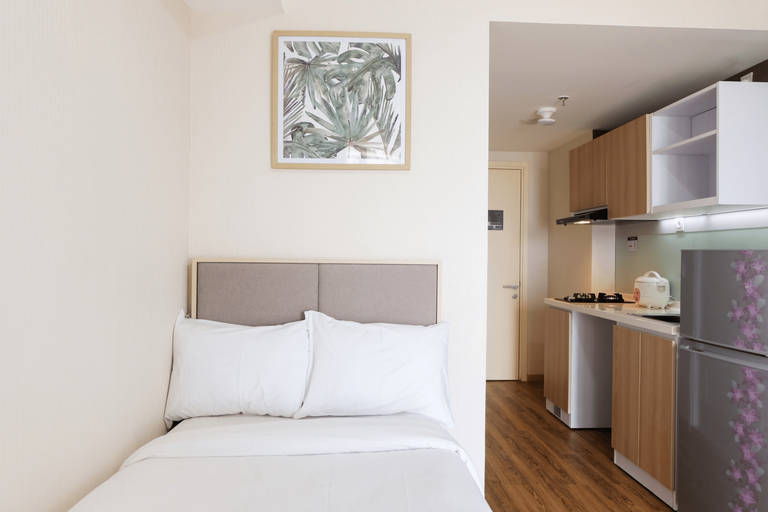 Comfy Studio Apartment with Extra Bed at M-Town Residence By Travelio, Tangerang