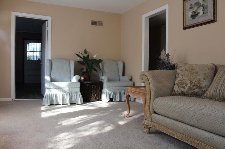 MySweetHome Suite, Montgomery