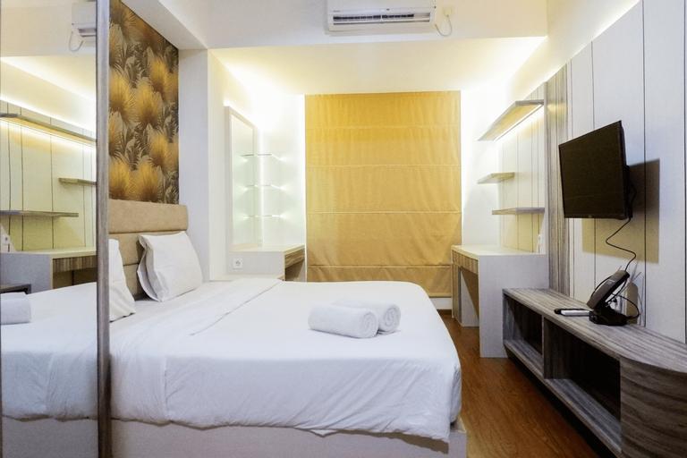 Premium 1BR Apartment at Grand Sungkono Lagoon By Travelio, Surabaya