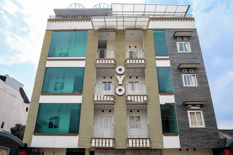 OYO 294 Andrea Residence Syariah, Medan