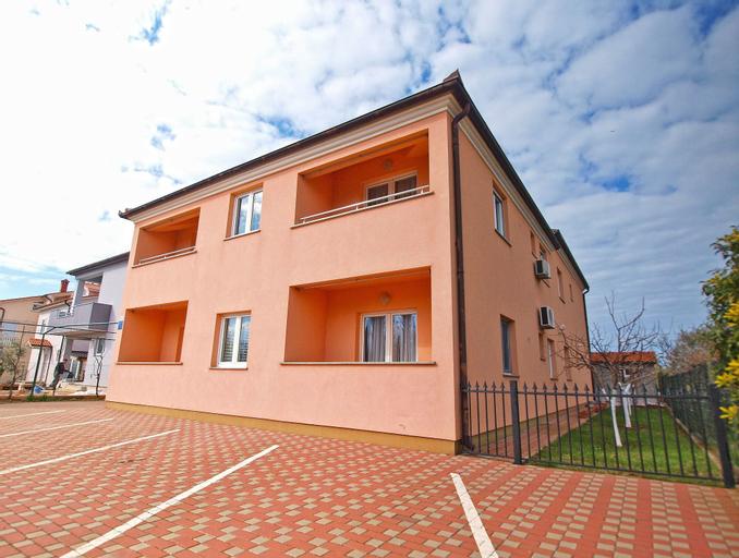 Apartment Mirsad 1282, Fažana