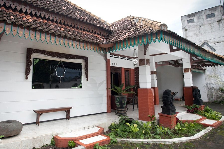 Reddoorz near Brawijaya University, Malang
