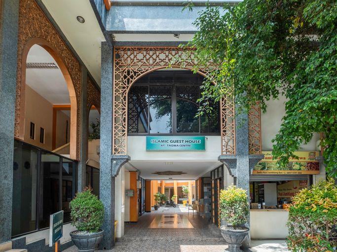OYO 2100 At Taqwa Guest House Syariah, Cirebon