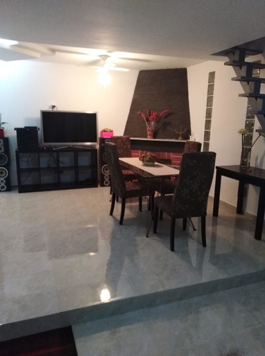 House With 2 Bedrooms in Aroeira, With Pool Access, Enclosed Garden an, Almada