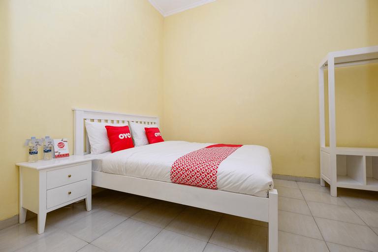 OYO 1553 Anmi Guest House, Solo