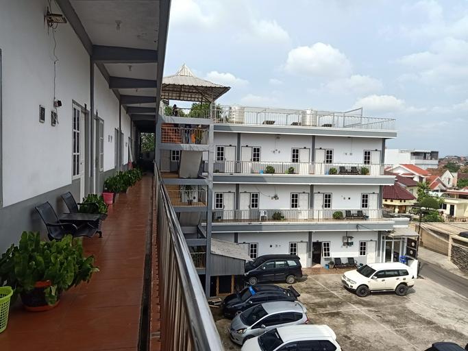 AMELIA KOST, Palembang