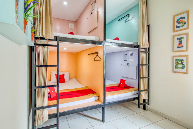 RedDoorz Hostel near Terminal Condongcatur Jogja, Sleman