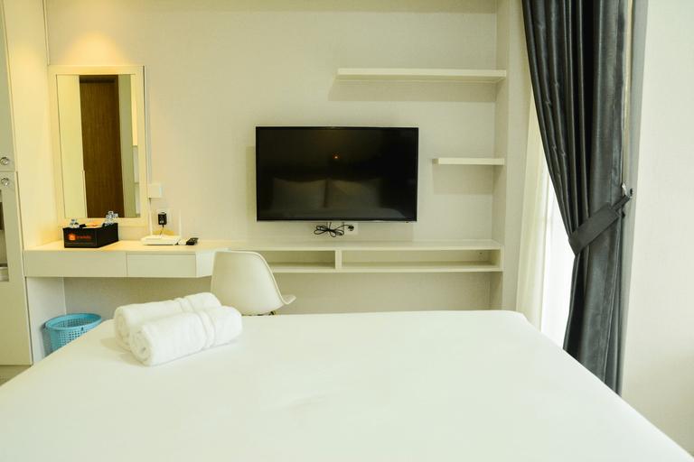 Mahogany Suites Studio Room The Oasis Apartment Cikarang By Travelio, Bekasi
