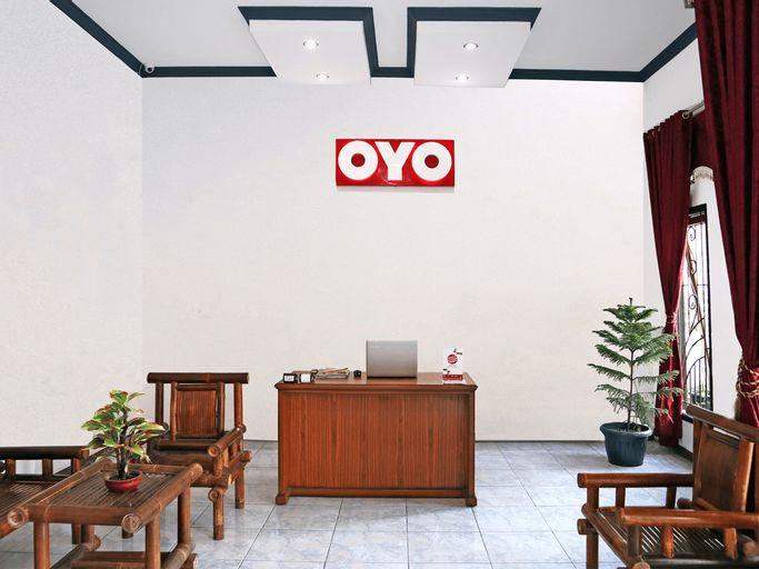 OYO 956 Penginapan Eby, Padang Pariaman