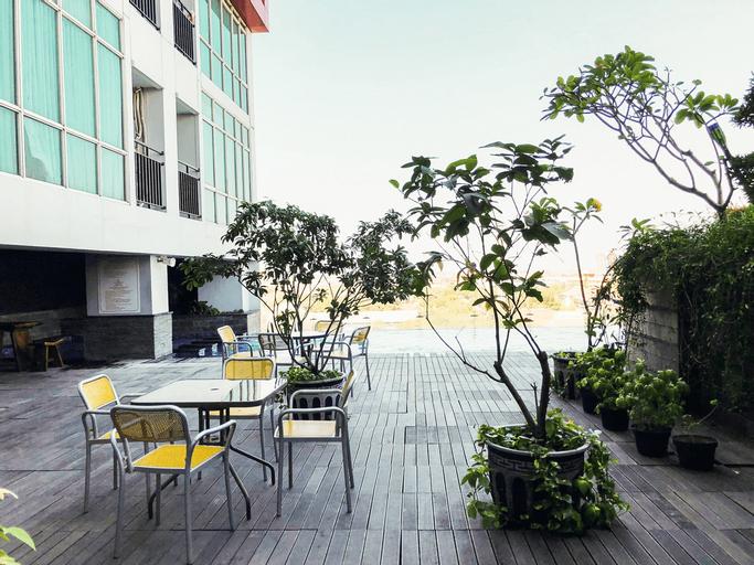 City View Studio Apartment at Tamansari Papilio By Travelio, Surabaya