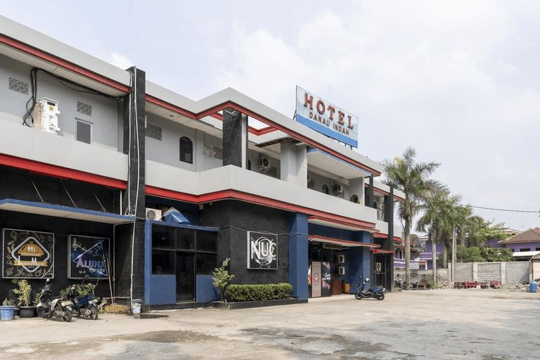 RedDoorz Plus near Tambun Station, Bekasi