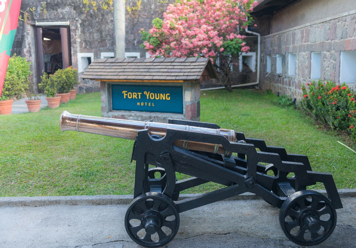 Fort Young Hotel,