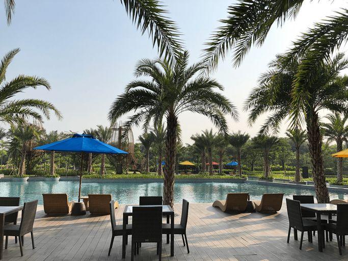 Gold Coast PIK Sea View Apartments by LongeStay, Jakarta Utara