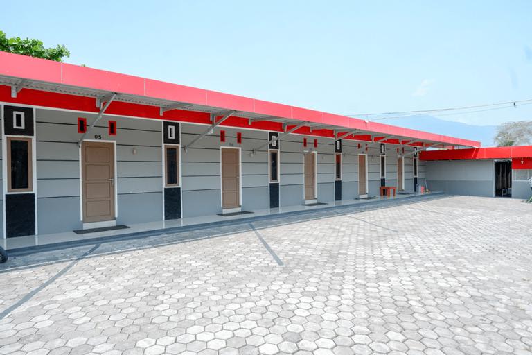 KoolKost near RS Samaritan Palu ( Minimum Stay 6 Nights ), Palu