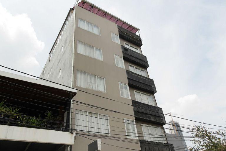 Residence 100, Central Jakarta