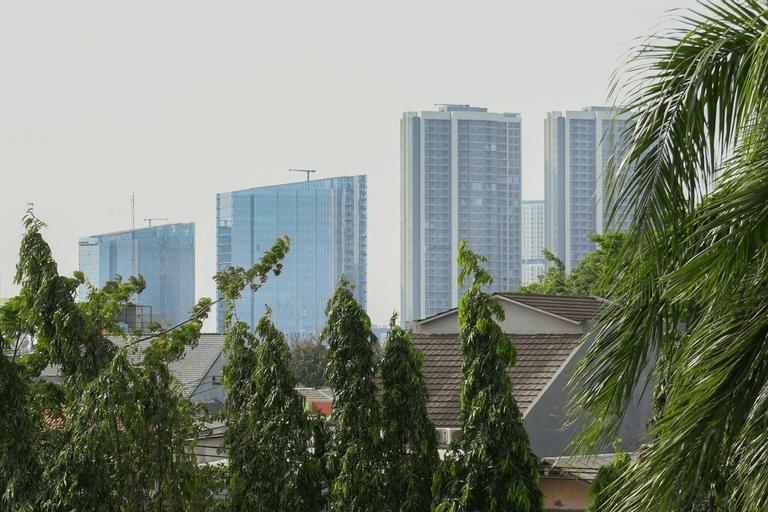 Big and Cozy Studio Apartment at Puri Garden By Travelio, Jakarta Barat