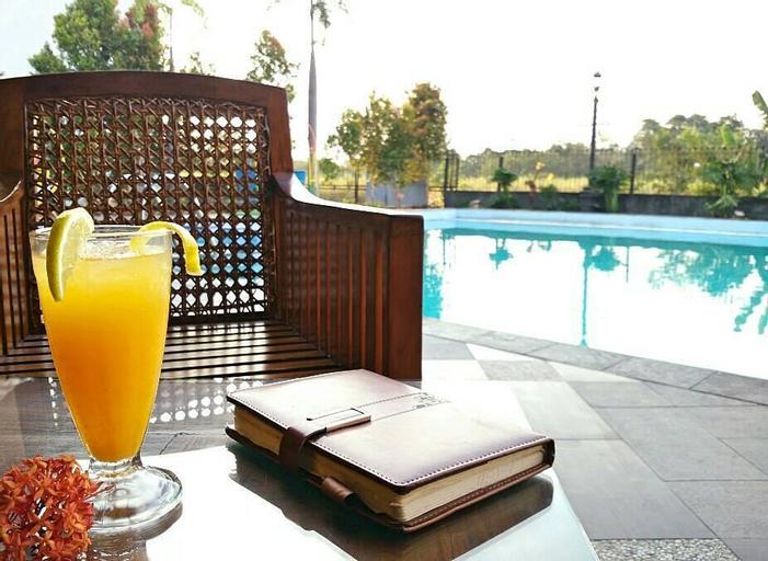 AL AZHAR AZHIMA Hotel Resort and Convention, Solo