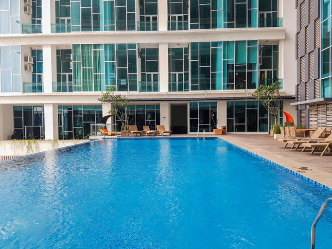 Pool View Brooklyn Studio Apartment near IKEA By Travelio, Tangerang Selatan