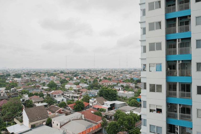 Cozy Studio Apartment with City View The Nest Puri By Travelio, Jakarta Barat
